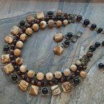 73019 Guru & necklace