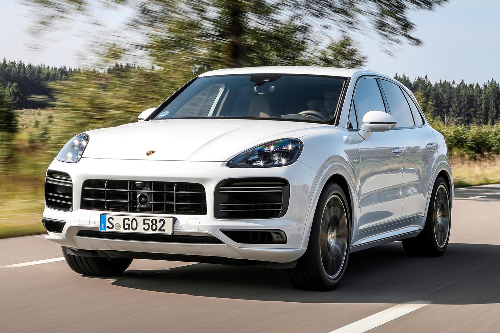 91319 2021 Porsche Cayenne E-Hybrids Are More Powerful Than Ever