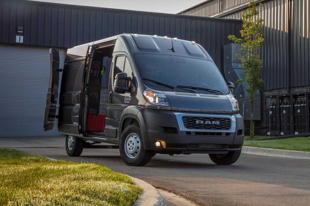 96081 2022 Ram ProMaster Arrives With Versatile Crew Van Option